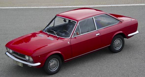 SEAT 124 Sport Coupe - side